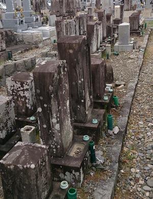 施工前のお墓