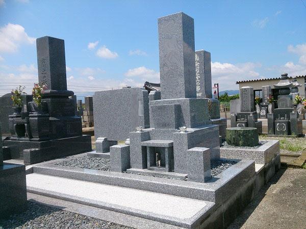 御影石のお墓
