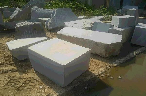 庵治石の原石