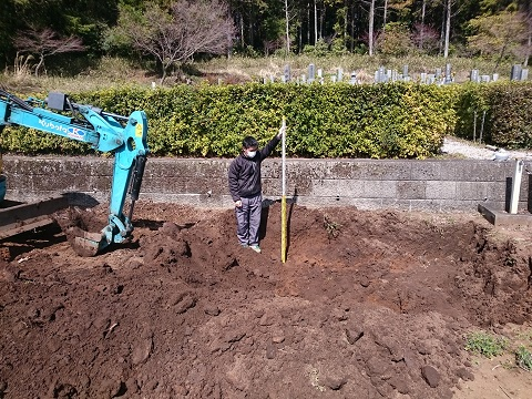 大垣市 こくぞうさんで納骨堂建立工事①掘削・整地