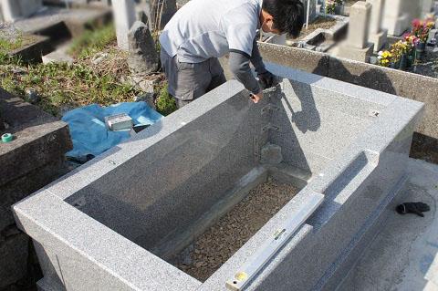 大垣市 勝山北墓地で墓石リフォーム工事④外柵工事2