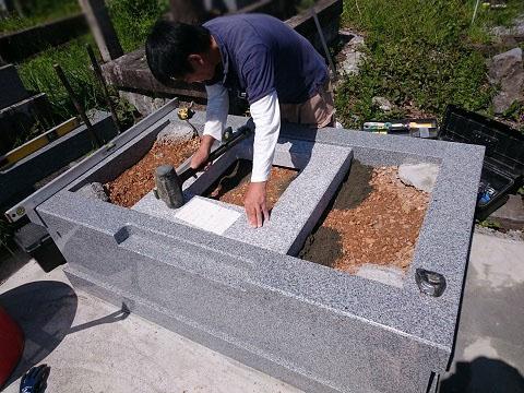 大垣市 勝山北墓地で墓石リフォーム工事⑤墓石建立工事