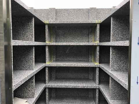 大垣市 こくぞうさんで納骨堂工事⑩納骨棚設置3