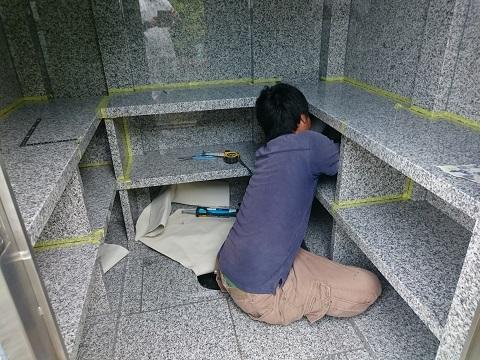 大垣市 こくぞうさんで納骨堂工事⑨納骨棚設置2