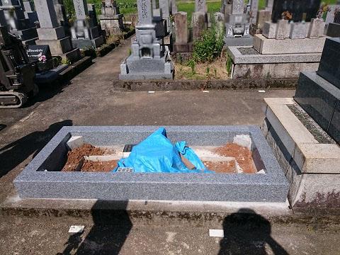 岐阜市 日置江墓地で墓石リフォーム工事③墓石本体設置工事