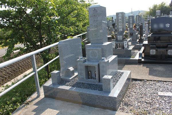 大垣市 国分寺墓地で新しいお墓の建立工事