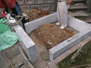 お墓の外柵設置