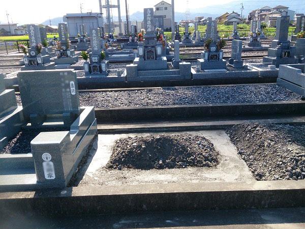 中井様のお墓工事 基礎工事