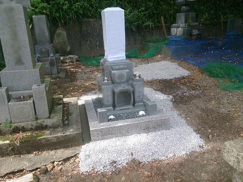 大垣市 呑龍さんで新しい墓石の建立工事