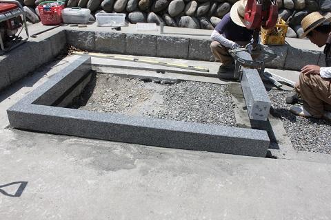 大垣市 安楽寺様で外柵と納骨室の設置工事