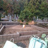 垂井町 宮代墓地で墓石リフォーム②境界ブロック工事